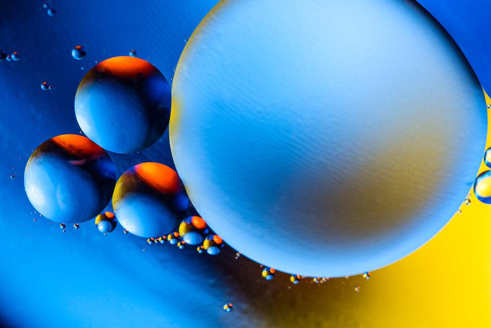 blue bubbles - cut an image into a circle
